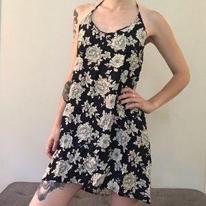 ☆ NWT Brandy Melville Floral Dress ☆